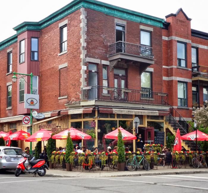 Hutchison Street Restaurant and Café In Le Plateau