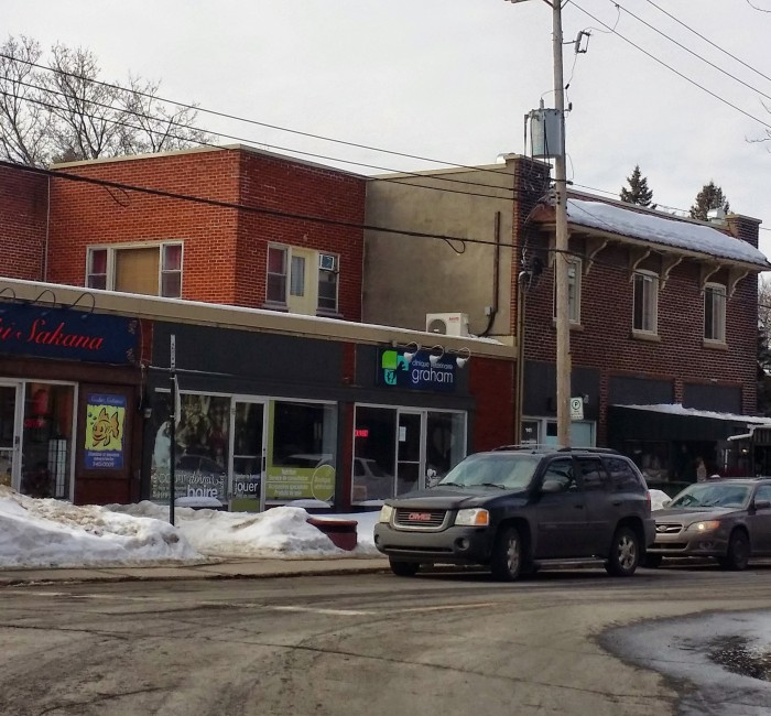 Town Of Mount Royal Village Centre Shopping and Restaurants